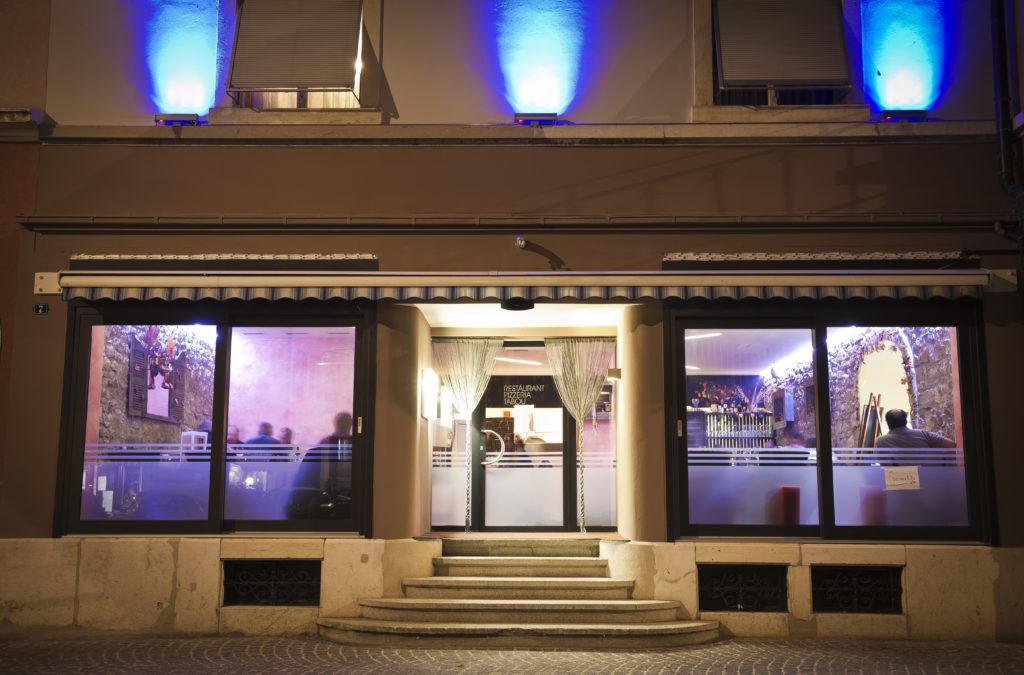Le Tabou bar et restaurant extérieur